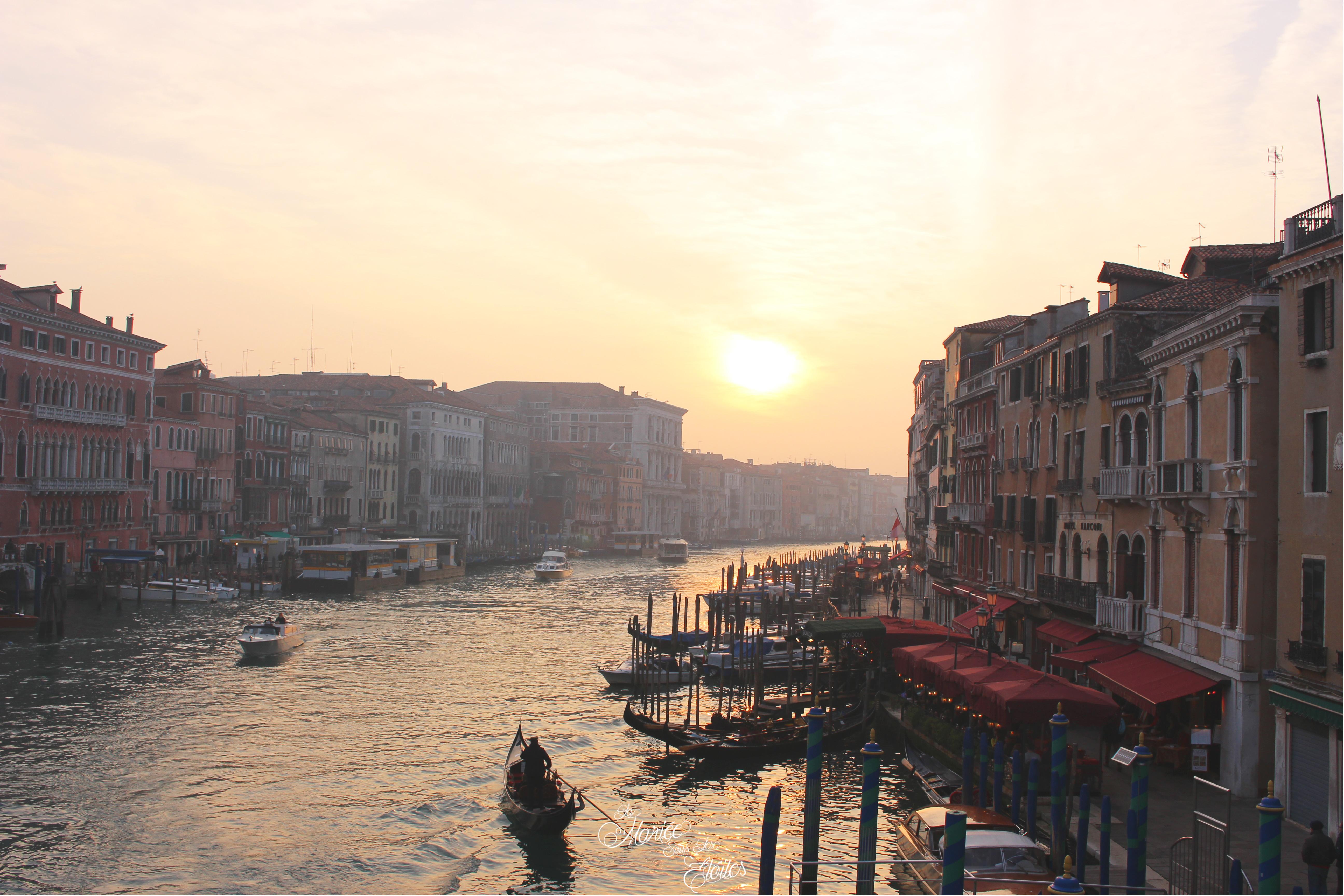 Coucher de soleil du Pont du Rialto à Venise | Voyage en amoureux - Venise, Italie