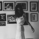 Sophie Sarfati, Collection 2016, Noir et Blanc, Robe Farrah , de côté © Lifestories : Yann Audic