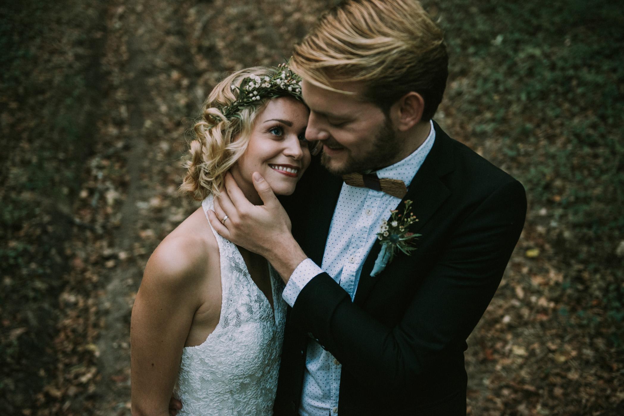 sun-drops-down-shooting-dinspiration-automnal-sous-les-bois-en-dordogne-blog-mariage-la-mariee-sous-les-etoiles-photo-mira-al-pajarito-25