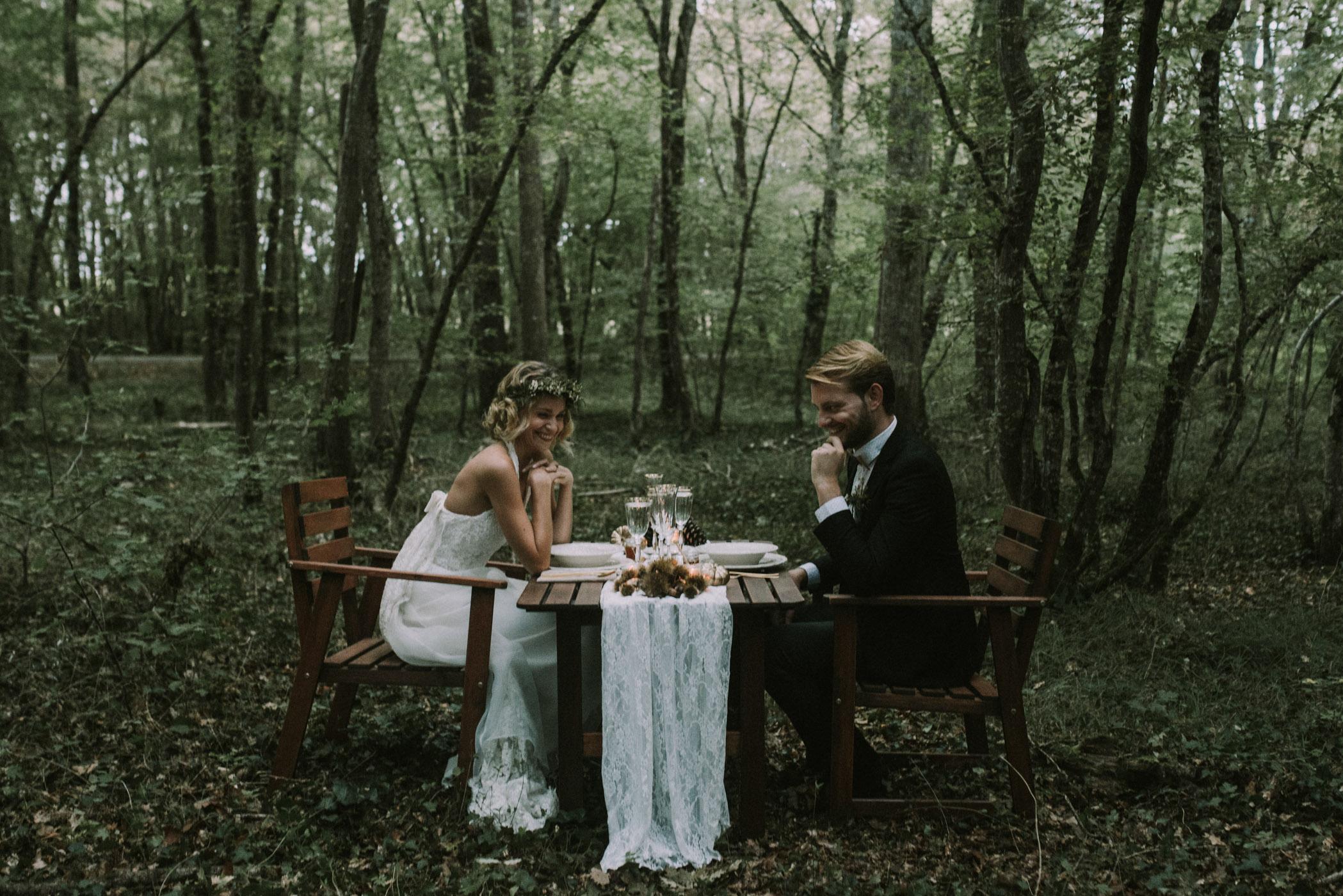 sun-drops-down-shooting-dinspiration-automnal-sous-les-bois-en-dordogne-blog-mariage-la-mariee-sous-les-etoiles-photo-mira-al-pajarito-28