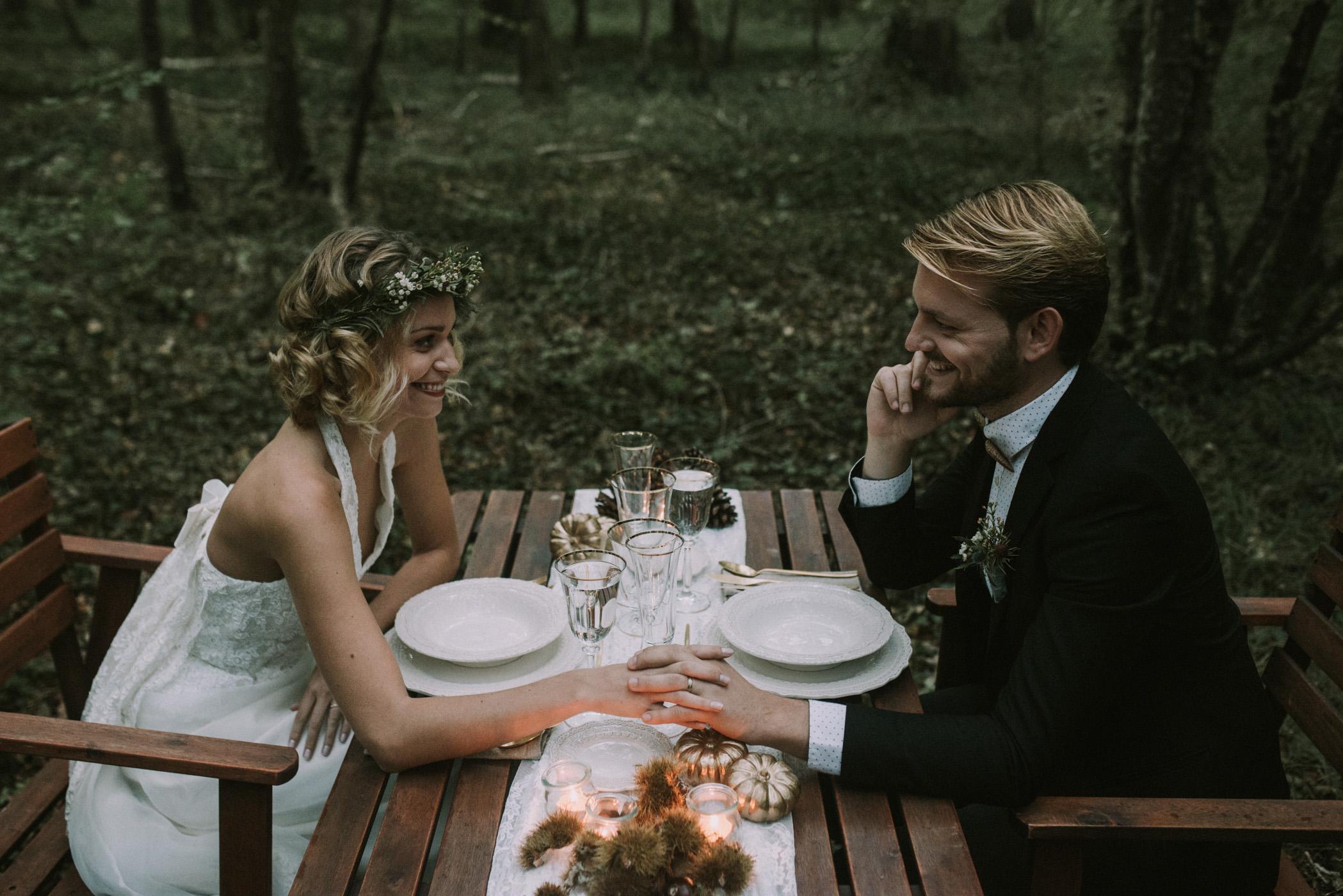 sun-drops-down-shooting-dinspiration-automnal-sous-les-bois-en-dordogne-blog-mariage-la-mariee-sous-les-etoiles-photo-mira-al-pajarito-29