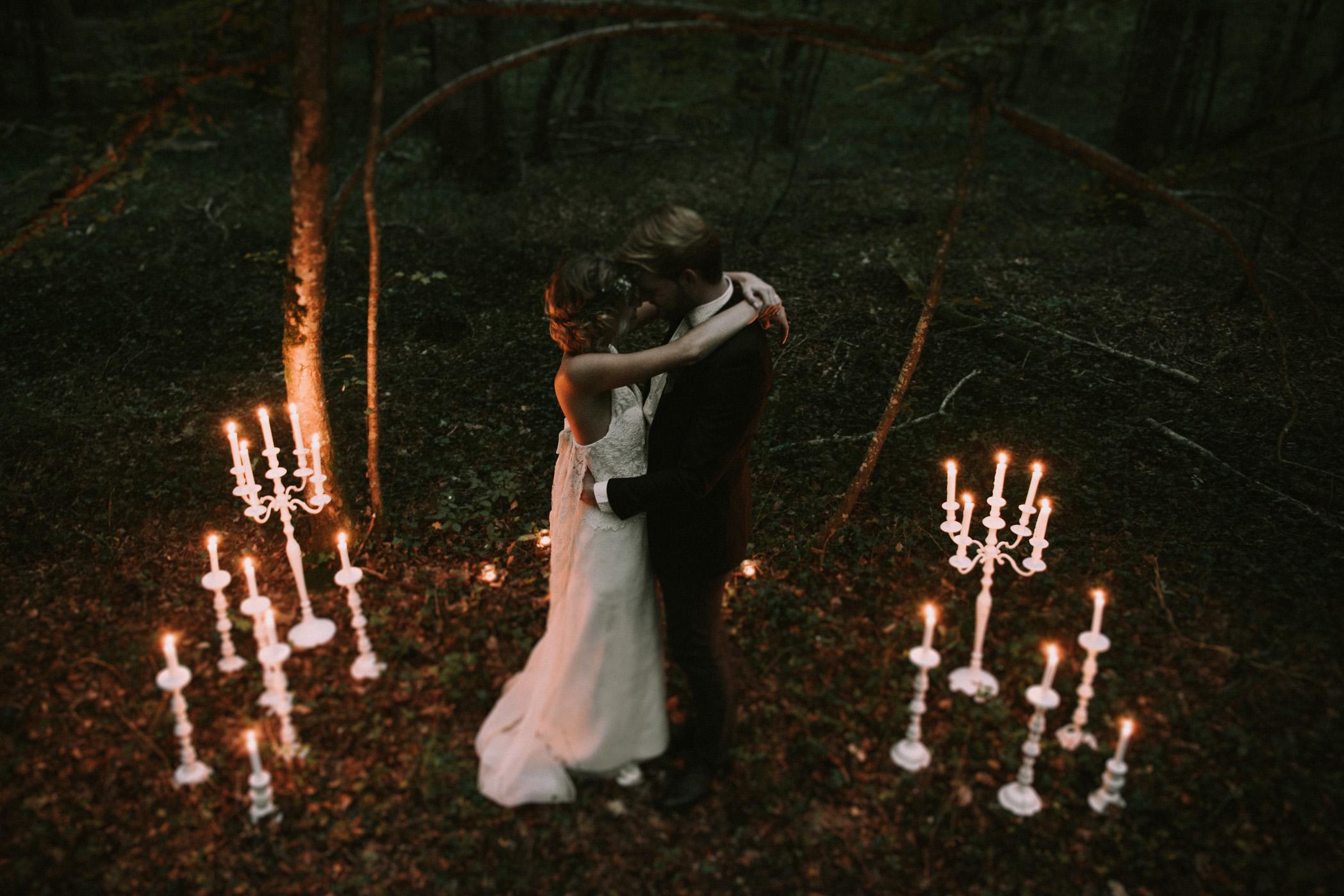 sun-drops-down-shooting-dinspiration-automnal-sous-les-bois-en-dordogne-blog-mariage-la-mariee-sous-les-etoiles-photo-mira-al-pajarito-37