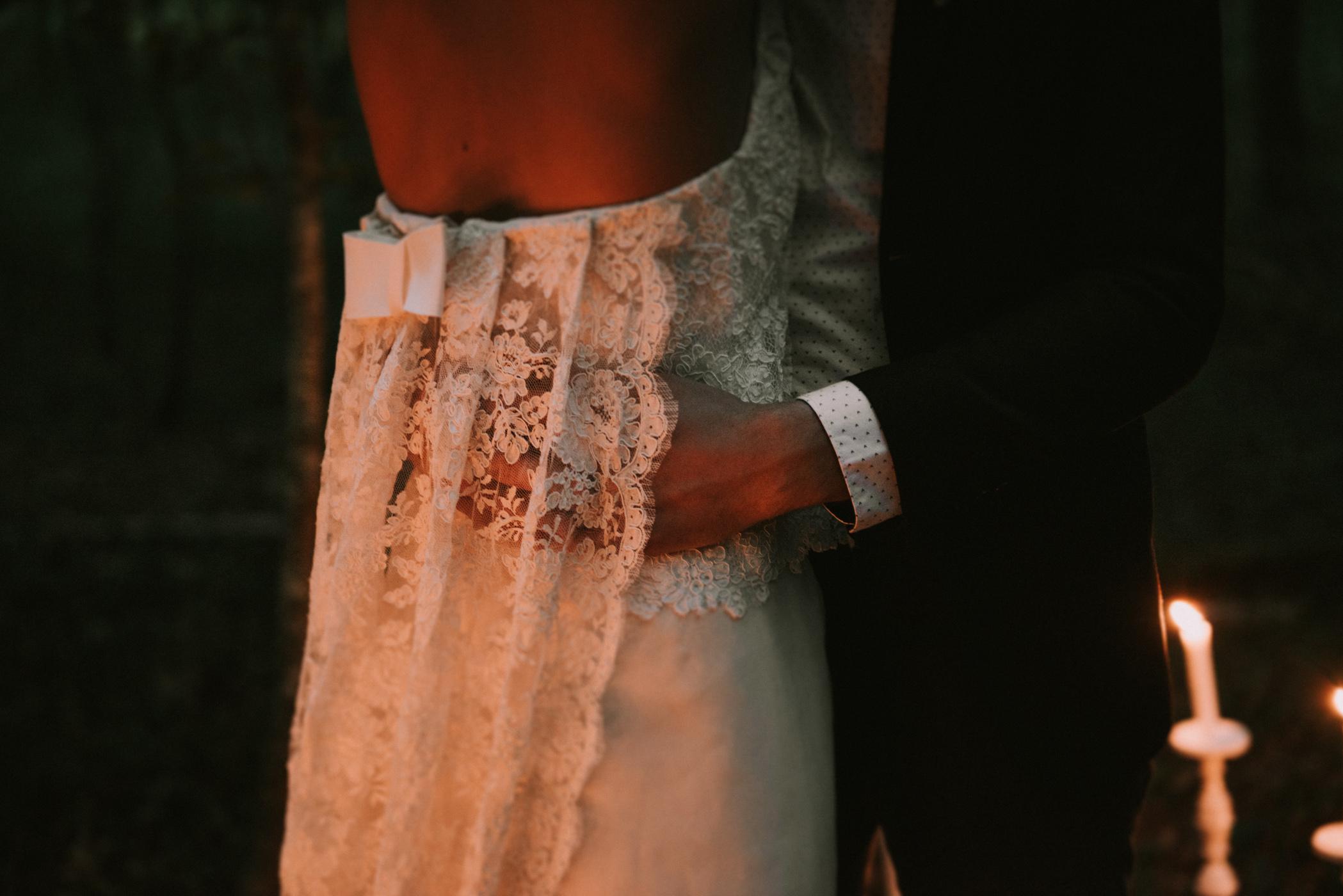sun-drops-down-shooting-dinspiration-automnal-sous-les-bois-en-dordogne-blog-mariage-la-mariee-sous-les-etoiles-photo-mira-al-pajarito-38