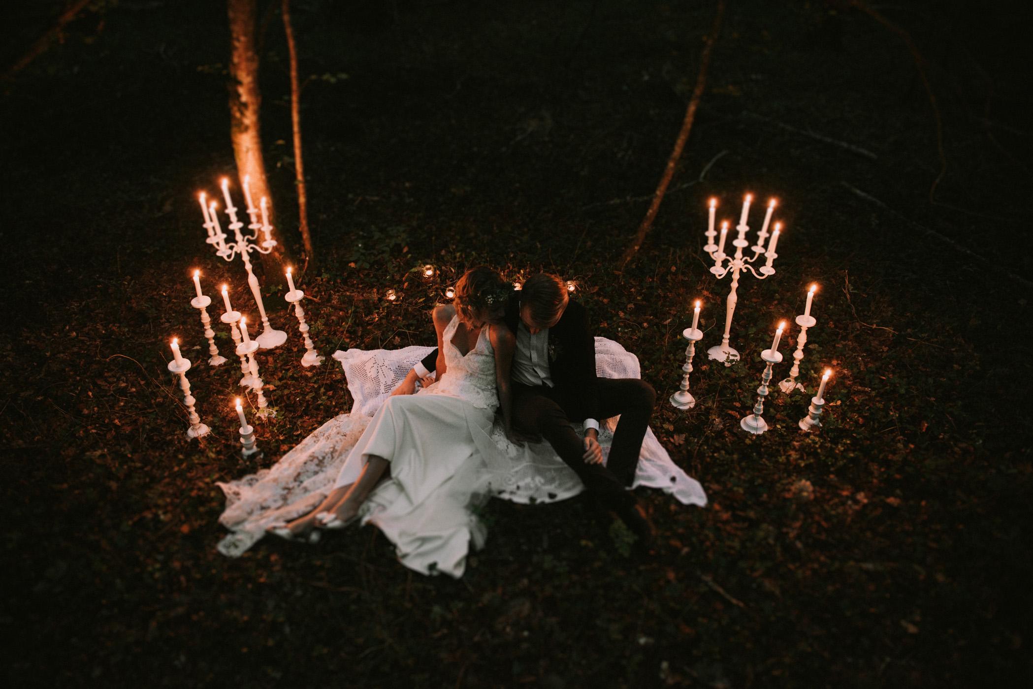 sun-drops-down-shooting-dinspiration-automnal-sous-les-bois-en-dordogne-blog-mariage-la-mariee-sous-les-etoiles-photo-mira-al-pajarito-39