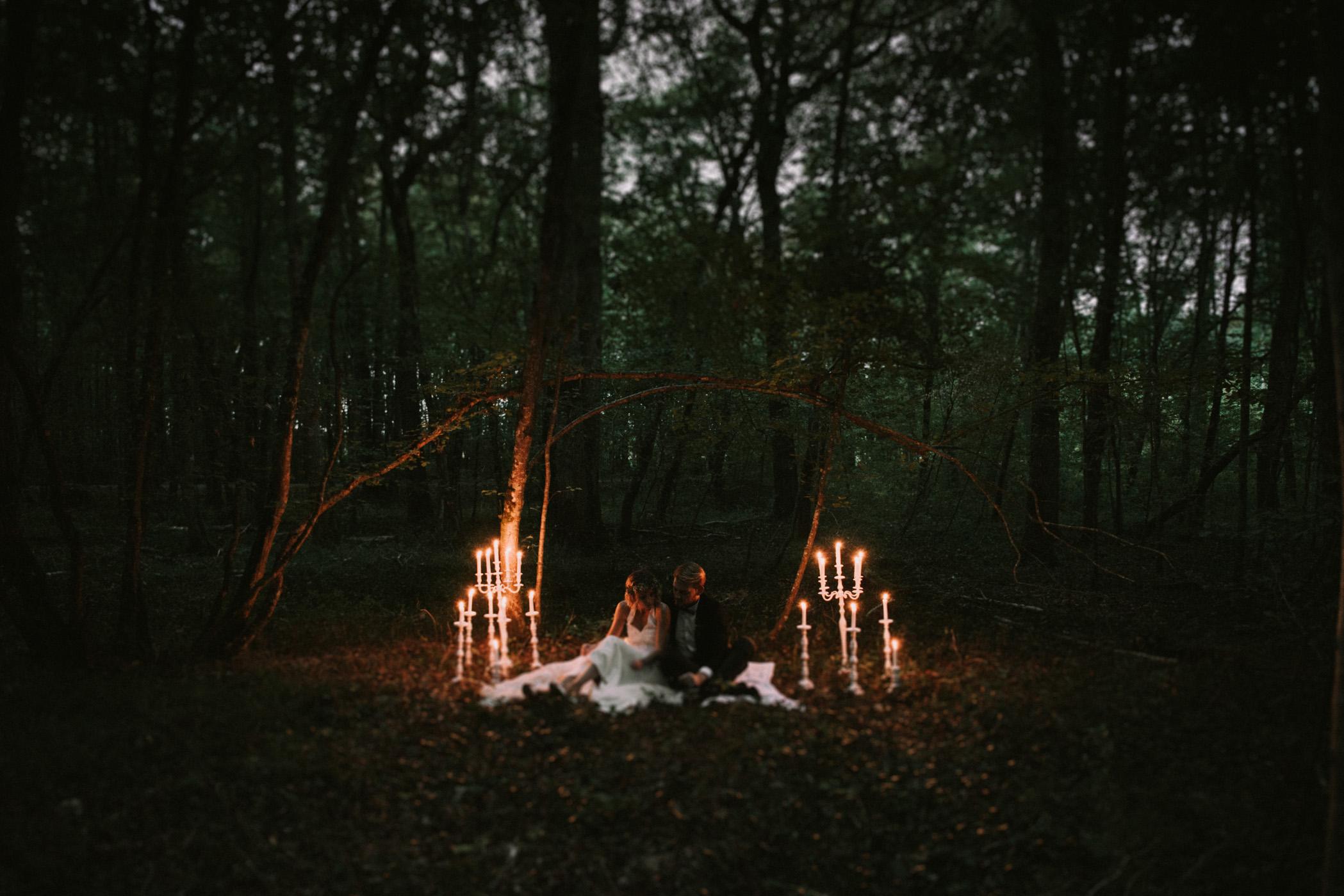 sun-drops-down-shooting-dinspiration-automnal-sous-les-bois-en-dordogne-blog-mariage-la-mariee-sous-les-etoiles-photo-mira-al-pajarito-40