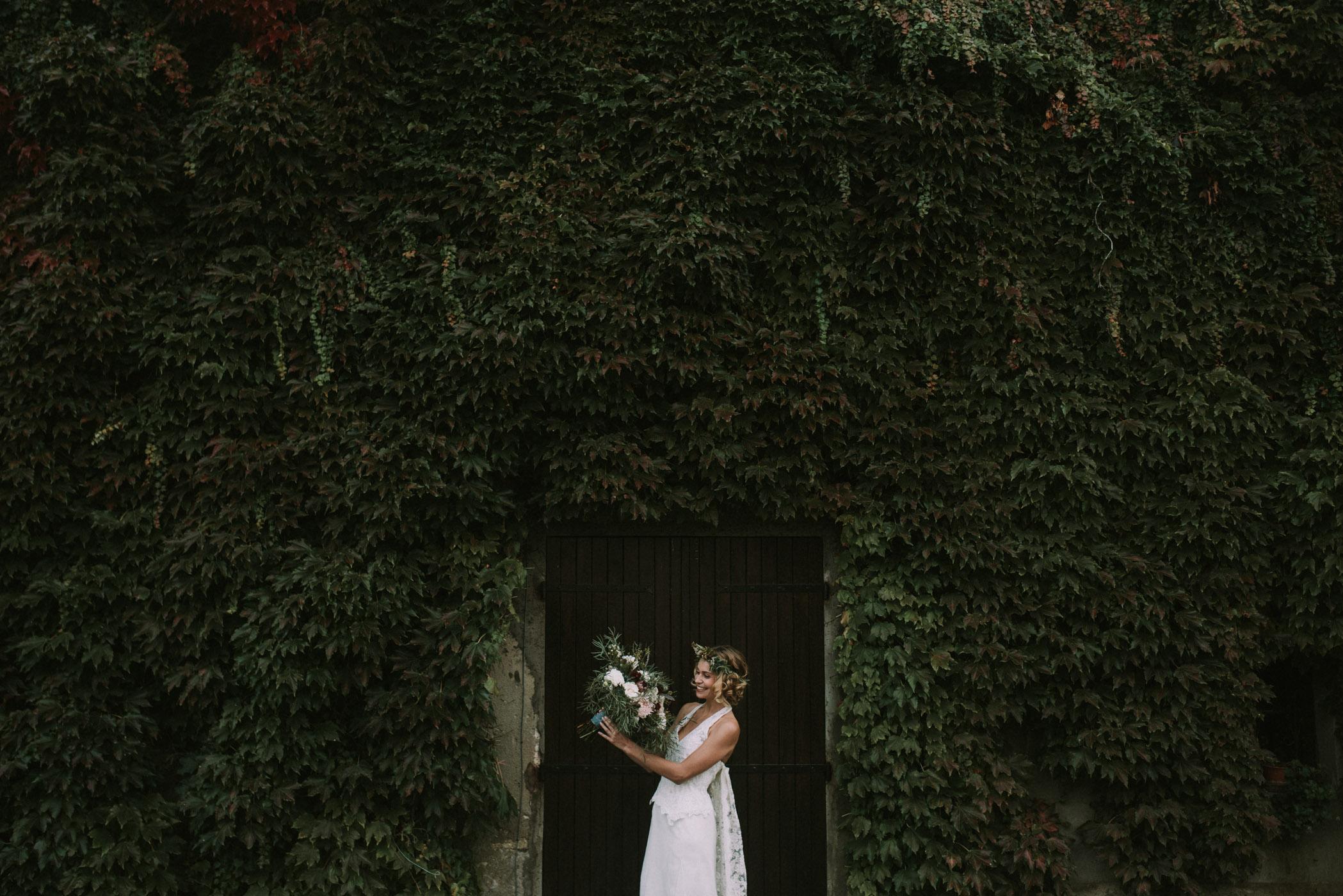 sun-drops-down-shooting-dinspiration-automnal-sous-les-bois-en-dordogne-blog-mariage-la-mariee-sous-les-etoiles-photo-mira-al-pajarito-62