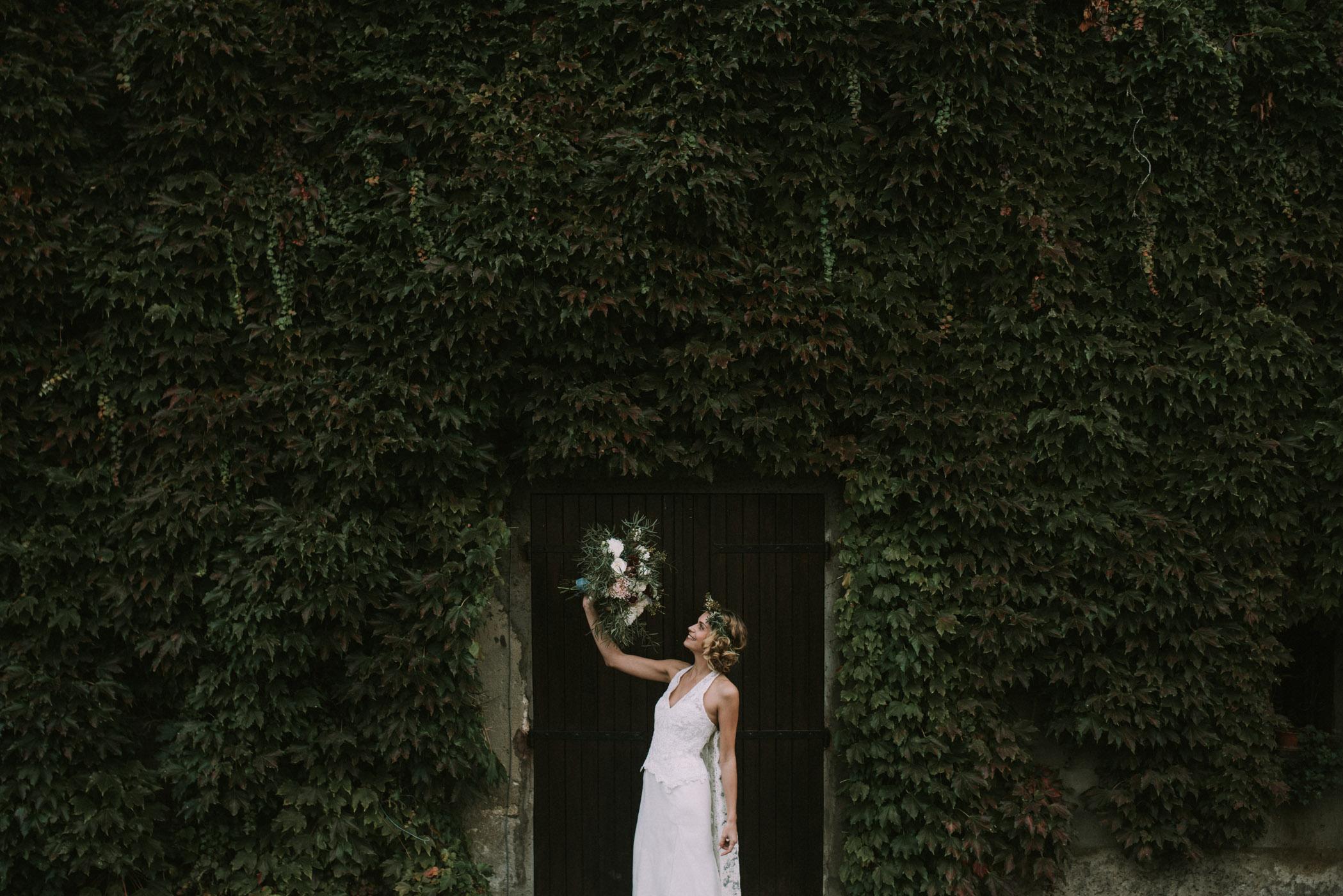 sun-drops-down-shooting-dinspiration-automnal-sous-les-bois-en-dordogne-blog-mariage-la-mariee-sous-les-etoiles-photo-mira-al-pajarito-63