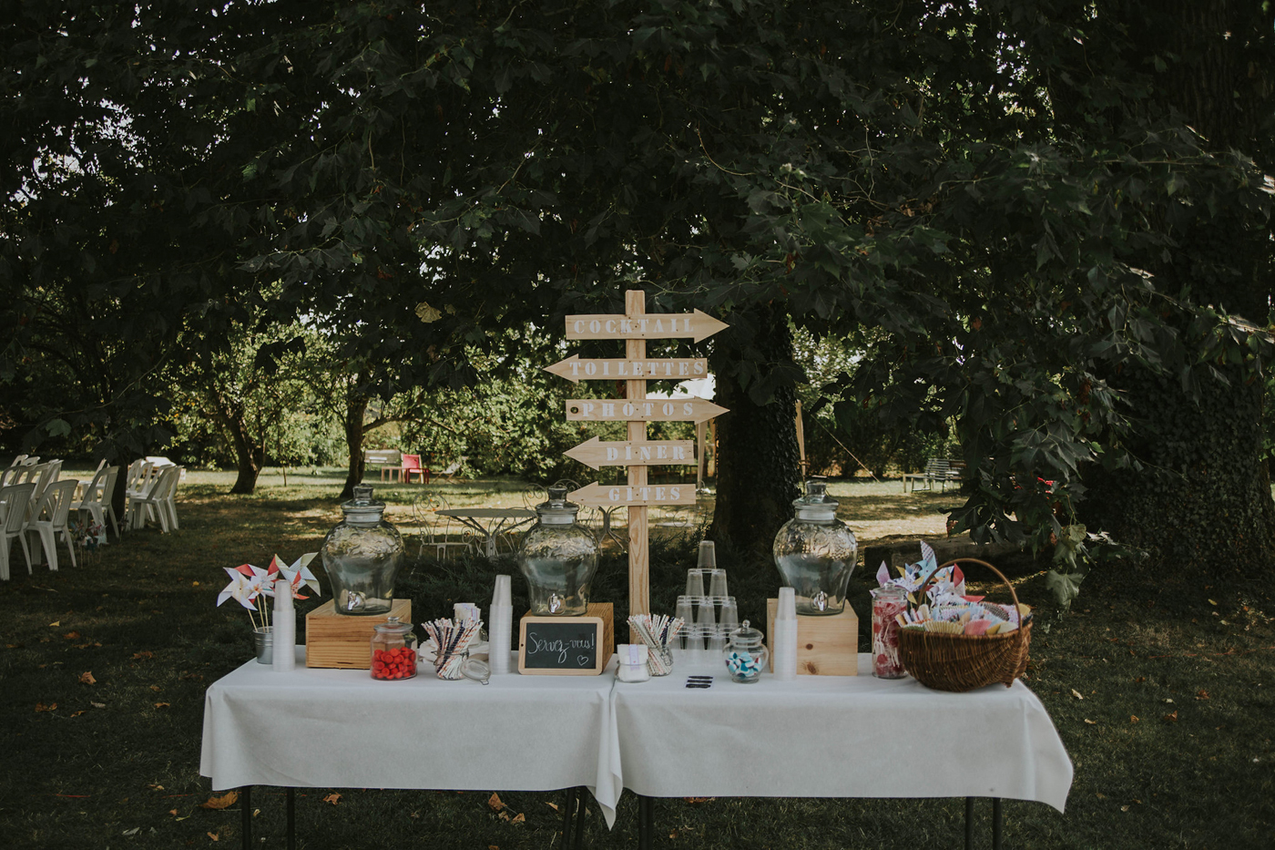 Amandine + Francis • Un mariage champêtre simple et élégant • La ...