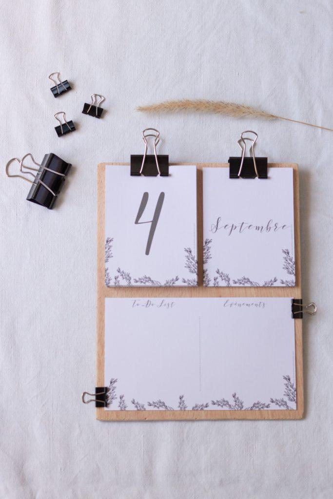diy printable mon calendrier diy esprit kinfolk imprimer la mari e sous les etoiles. Black Bedroom Furniture Sets. Home Design Ideas