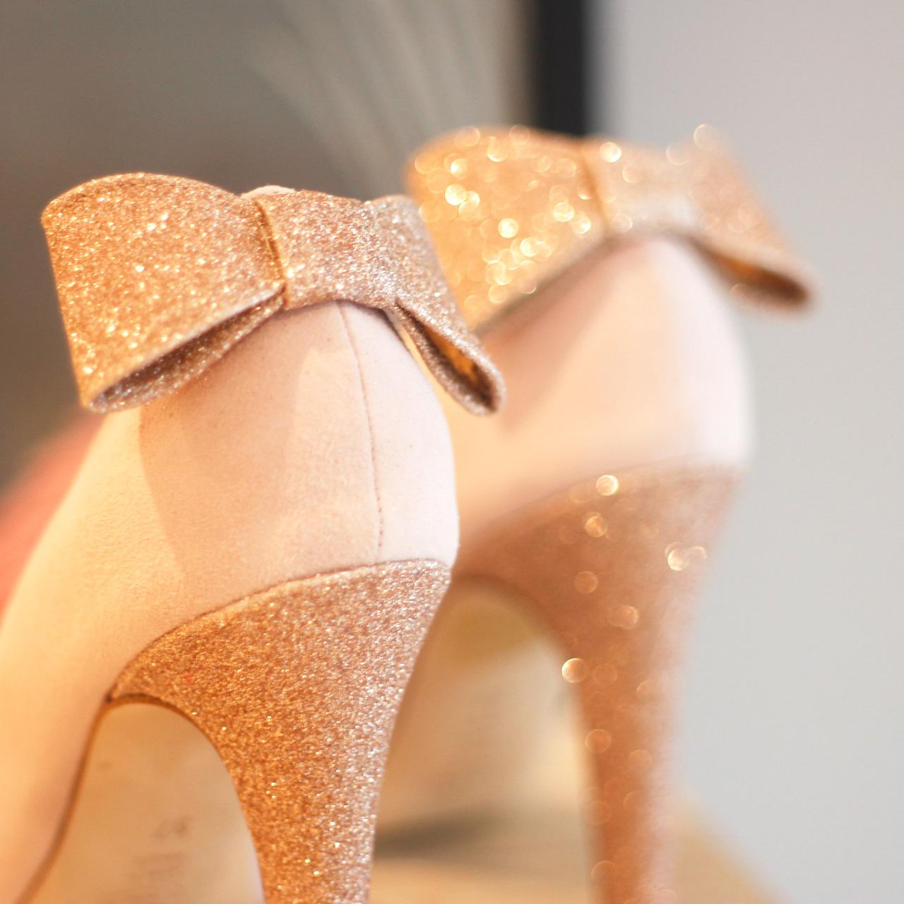 17982bfaf28d Avec Dessine-moi un soulier, vous allez forcément trouver chaussure à votre  pied. Faites marcher votre imagination et les équipes créatives de  Dessine-moi ...
