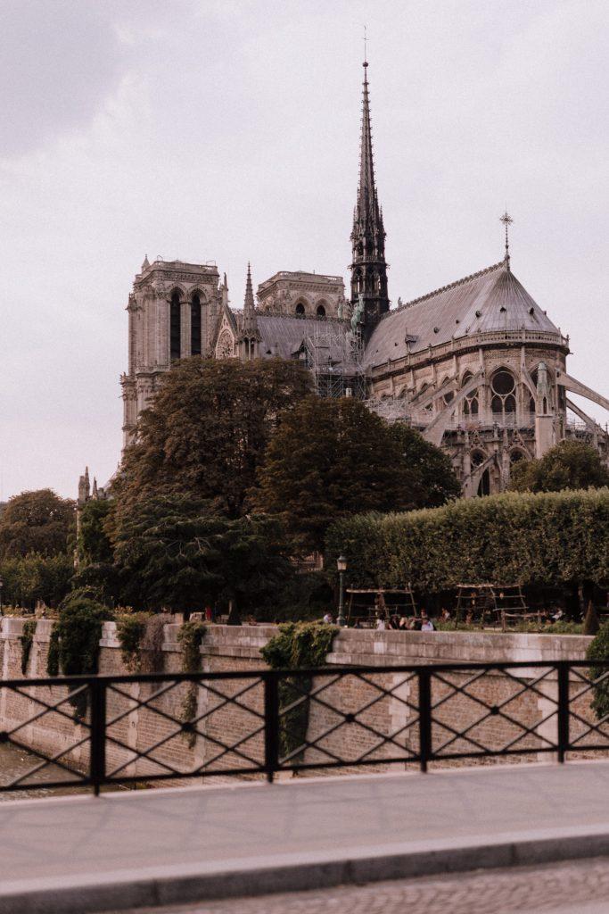 Cathédrale Notre Dame de Paris | Lika Banshoya | La Mariée Sous Les Etoiles