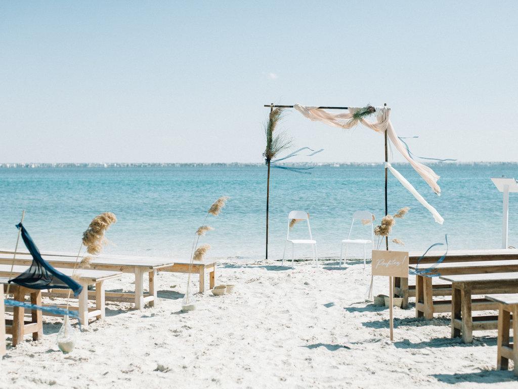 8 conseils et inspirations pour une cérémonie laïque de mariage bohème | Make My Wed | Céline Chhuon
