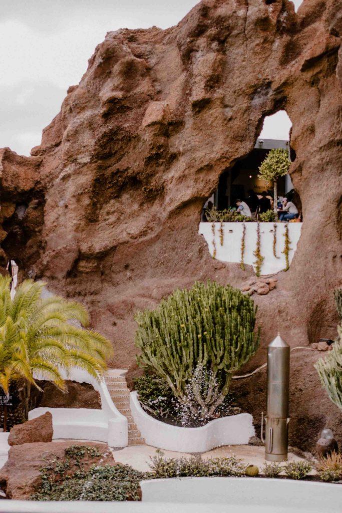 Lagomar Nazaret Museum |  Voyager en van aux Canaries | Découvrir Lanzarote en famille en mode slowlife | La mariée sous les étoiles