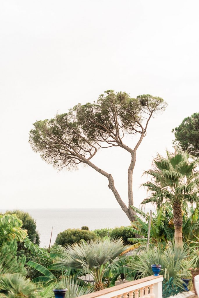 Mariage élégant face à la mer au Domaine des Pins Penchés | Julien Jeanne | La Mariée Sous Les Etoiles