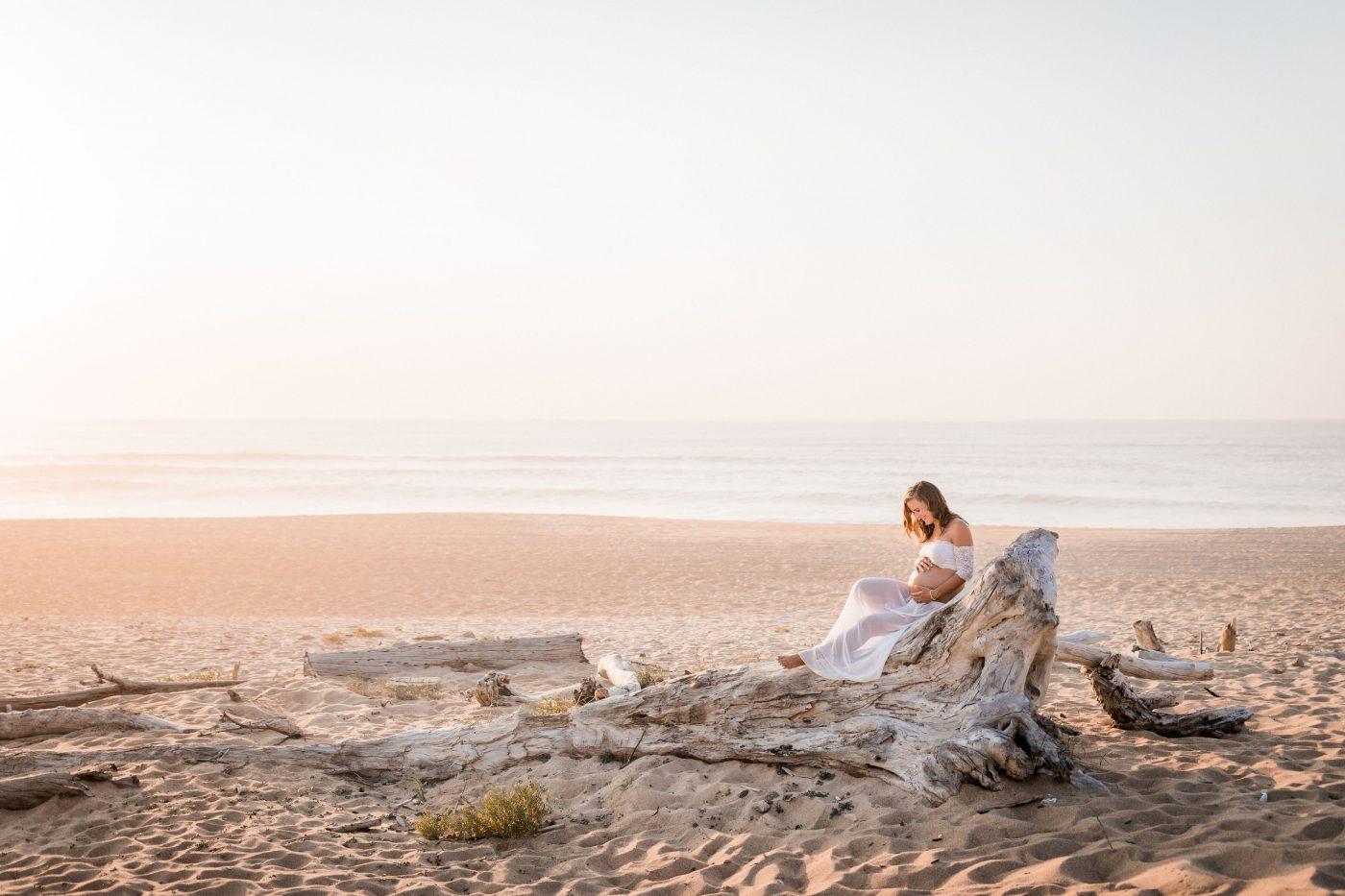 Gaelyn + David • séance grossesse en bord de mer dans les Landes | Mathieu Dété | La Mariée Sous Les Etoiles