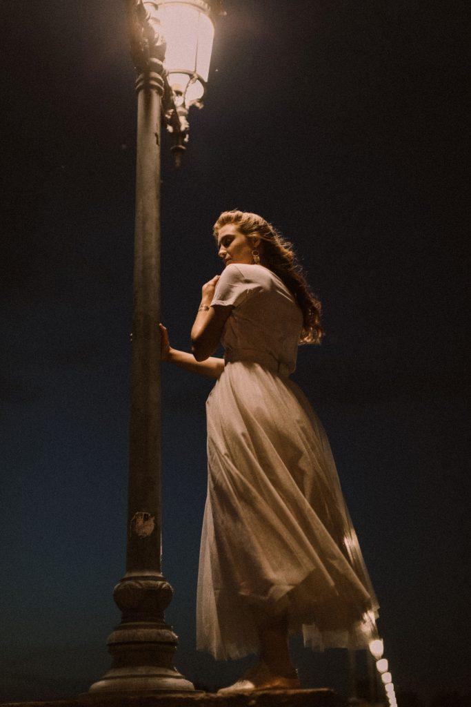 Atelier Swan • collection 2021 de robes de mariée | Juli Etta Photography | La Mariée Sous Les Etoiles