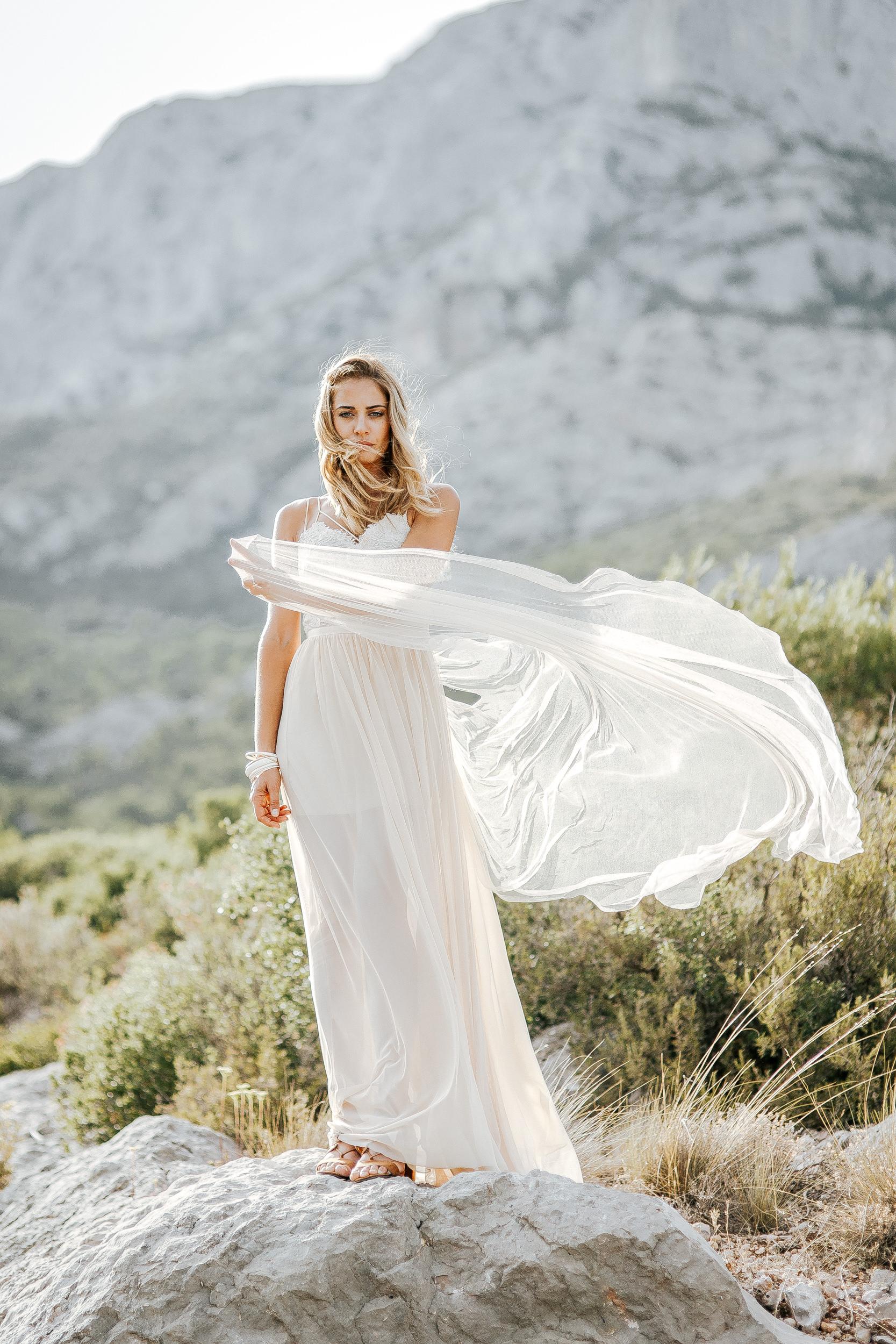 Elisa Ness un duo mère-fille pour des robes de mariée sur-mesure d'exception (22)Elisa Ness un duo mère-fille pour des robes de mariée sur-mesure d'exception (22)