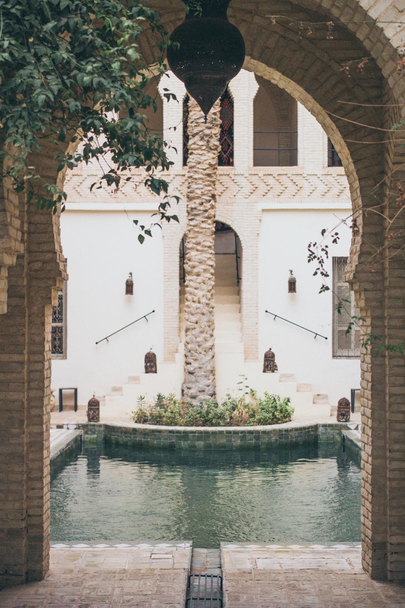 [Visite Privée] • Une maison d'hôtes au cœur de Tozeur pour un mariage en petit comité en Tunisie