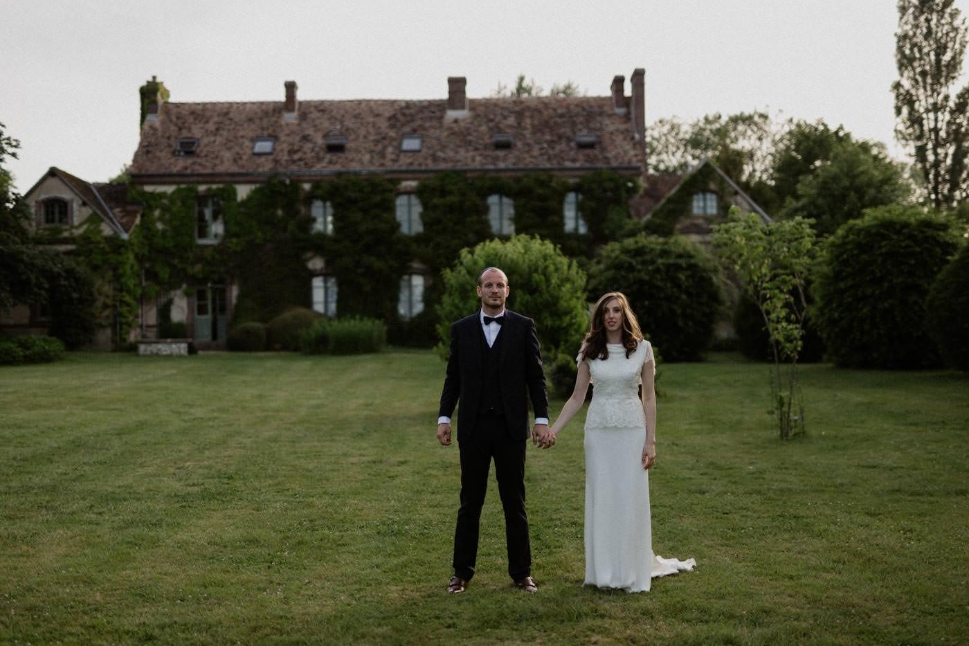 Anna + Gustave • Un mariage simple et poétique au Manoir des Prévanches