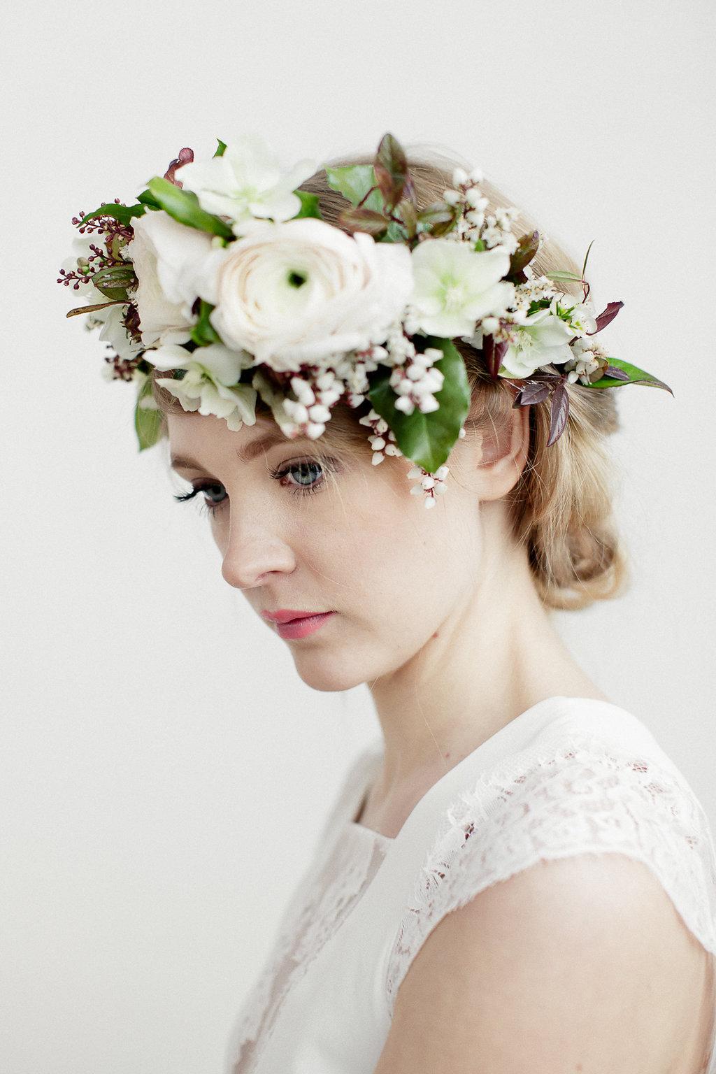 [EDITORIAL] • Des coiffures de mariée à l'esprit minimaliste, végétal & floral