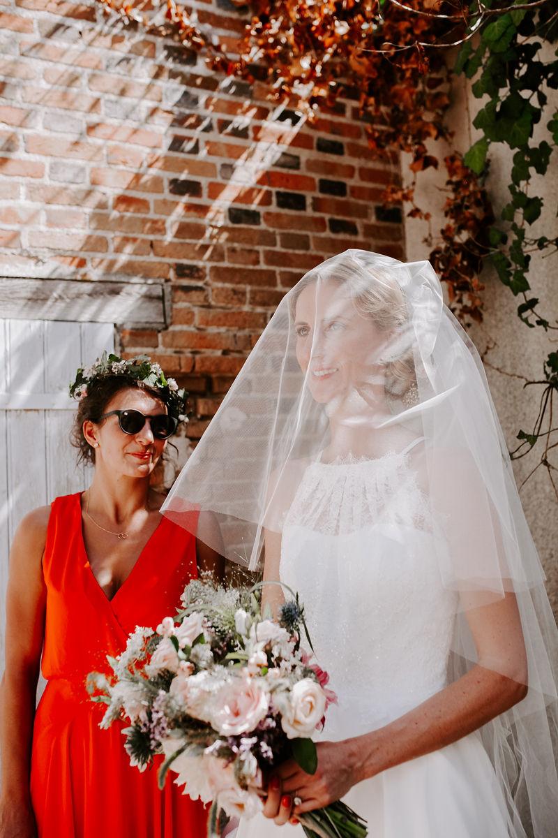 Pauline + Guillaume - un mariage chaleureux aux Écuries de Sologne | Marine Blanchard Photographie | La Mariée Sous Les Etoiles