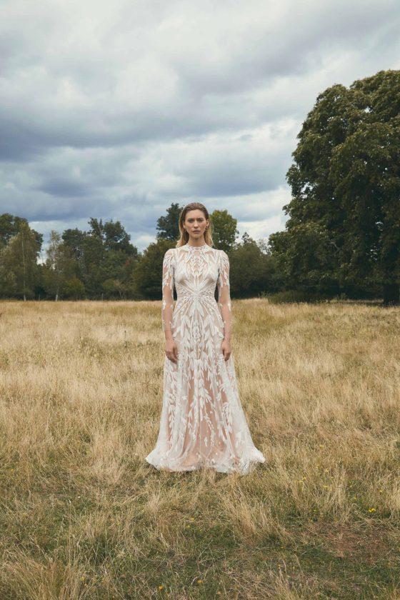 Margaux Tardits   songe 2021   collection 2021 robes de mariée   credit Alexandra Utzmann   la mariée sous les étoiles
